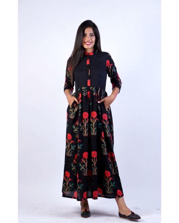 Black mughal print maxi 1