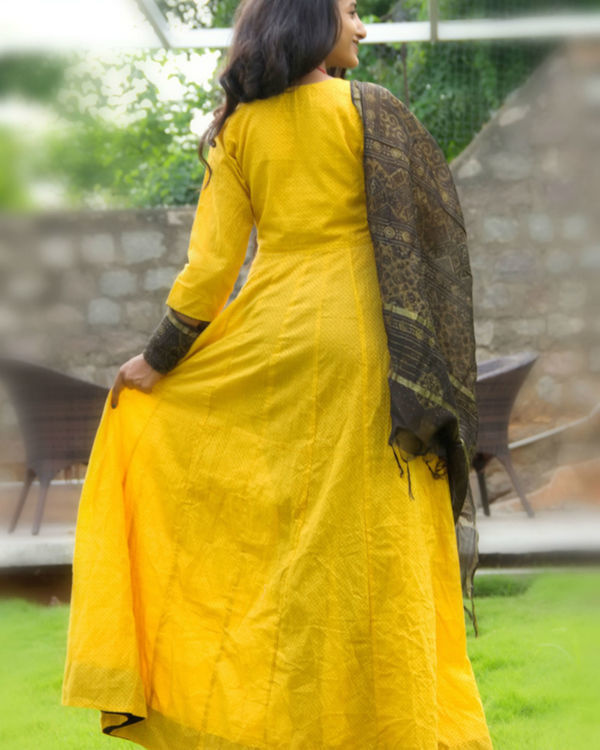 Dandelion tunic with dupatta 1