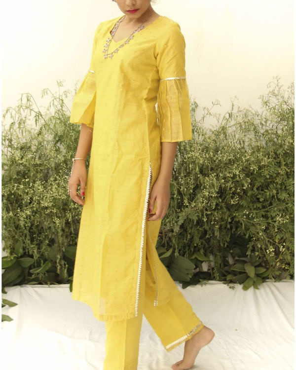 Yellow chanderi straight suit 1