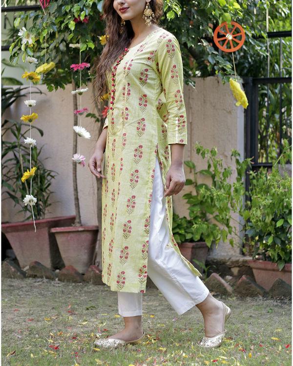 Soft green mughal print kurta set 4