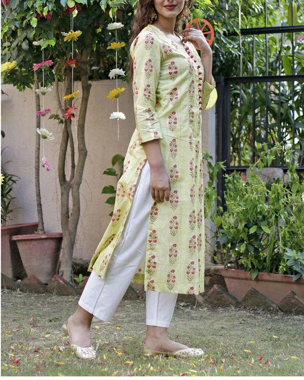 Soft green mughal print kurta set 3