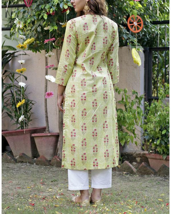 Soft green mughal print kurta set 2