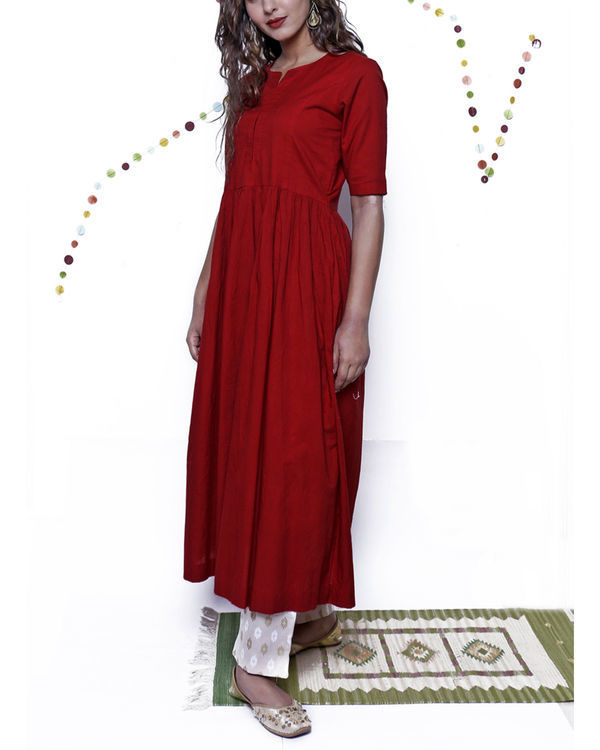 Maroon kurta with beige pants 3