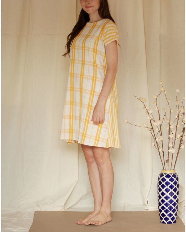 Checkered shift dress 4