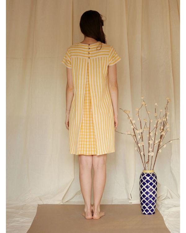 Checkered shift dress 4