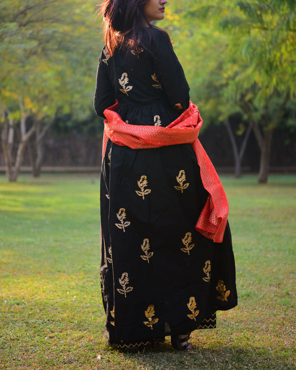 Black gold foil print salwaar set with dupatta 2