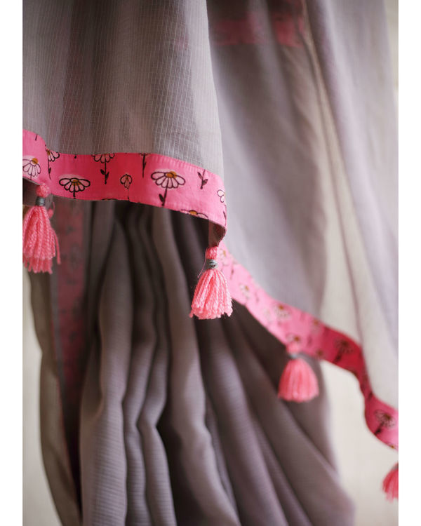 Grey doriya sari with pink daisy blouse 2