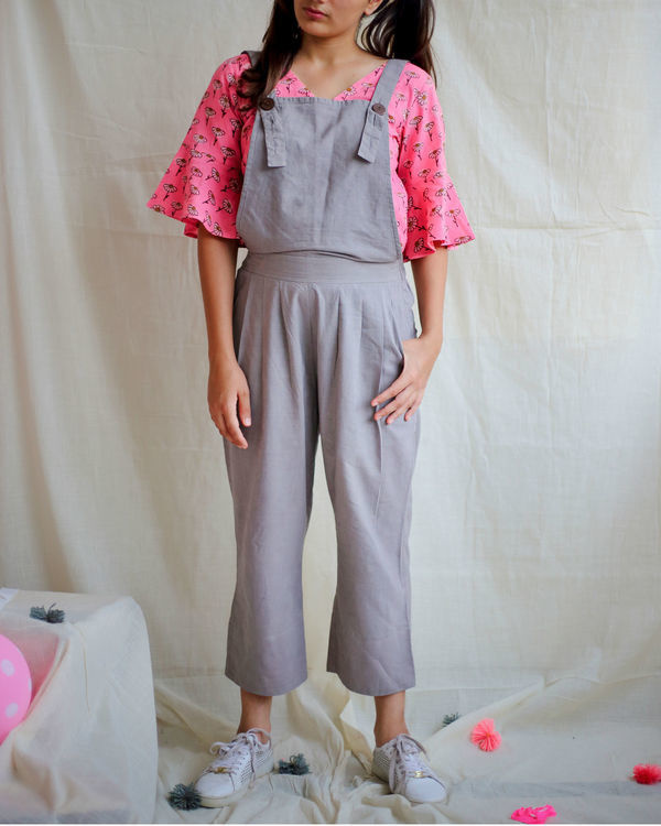 Grey dungaree with daisy bell sleeves top 2