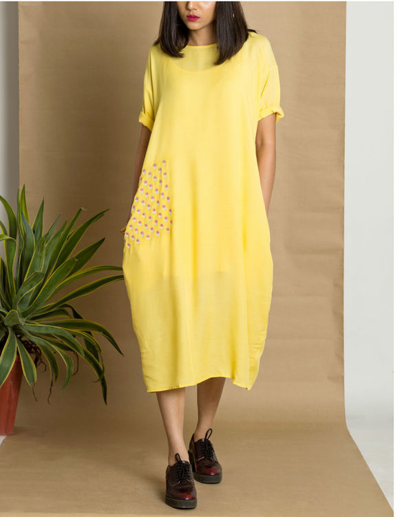 Yellow moss crepe loose fit dress 1