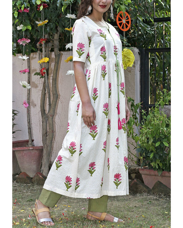 Green mughal block printed kurta set 3