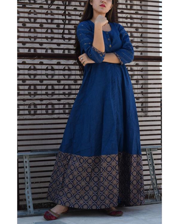Blue front slit cape 1