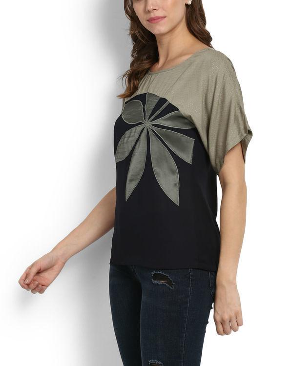Dual tone applique kimono top 3
