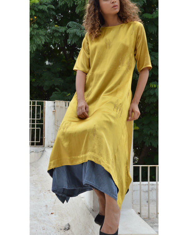 Golden leaf asymmetric hem tunic 2