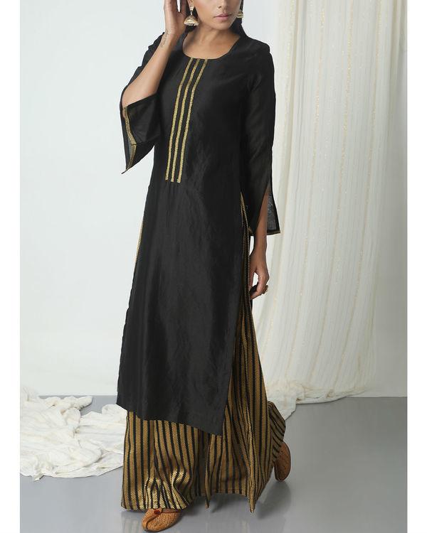 Gold and black skirt kurta set 3