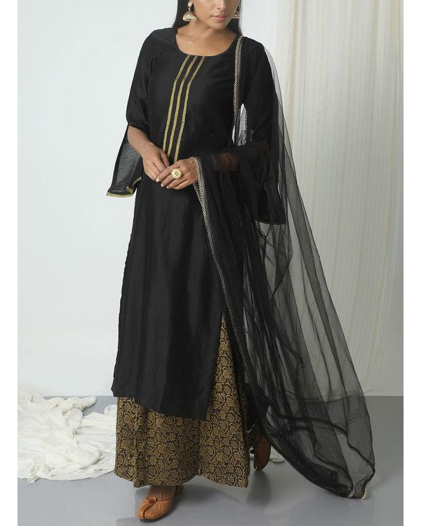 Black floral skirt kurta with dupatta 3