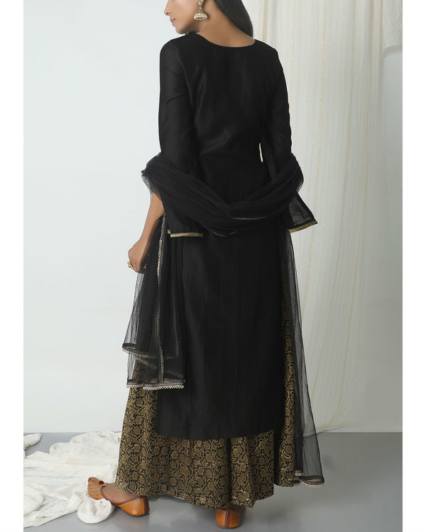 Black floral skirt kurta with dupatta 2