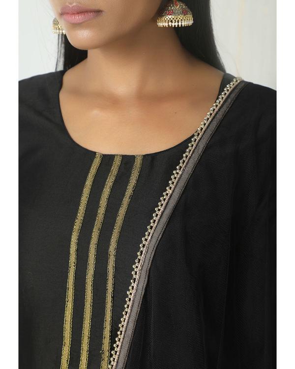 Black floral skirt kurta with dupatta 1