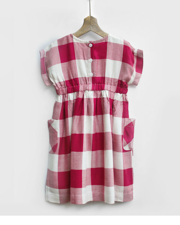 Red & white checks smock dress with pockets 2