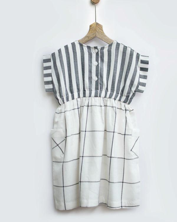 Grey & white checks smock dress with pockets 1