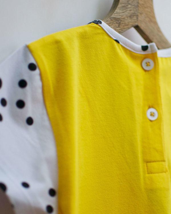 Triangle knit dress with seam pockets 2