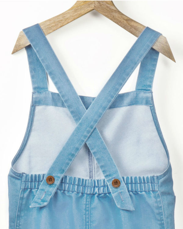Ice wash denim romper with fabric brooch 2