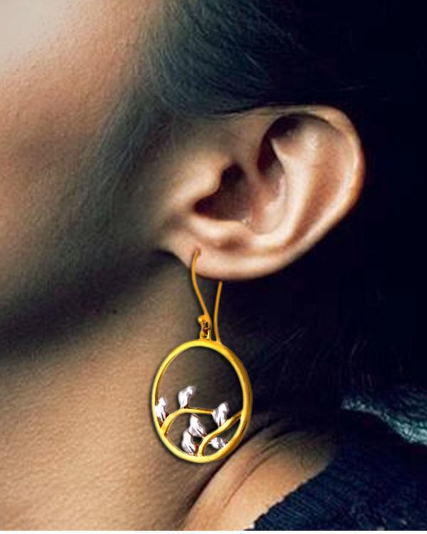 Scarlet Oak Earrings 1