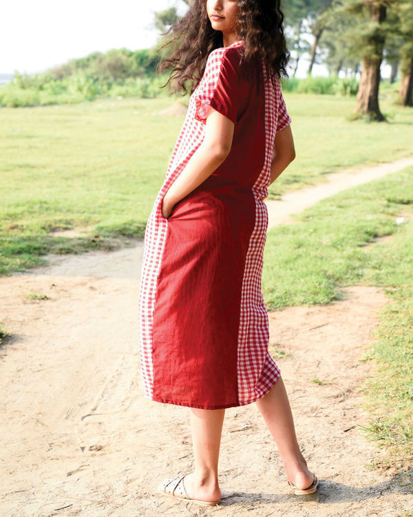 Bhutan red kaftan dress 2