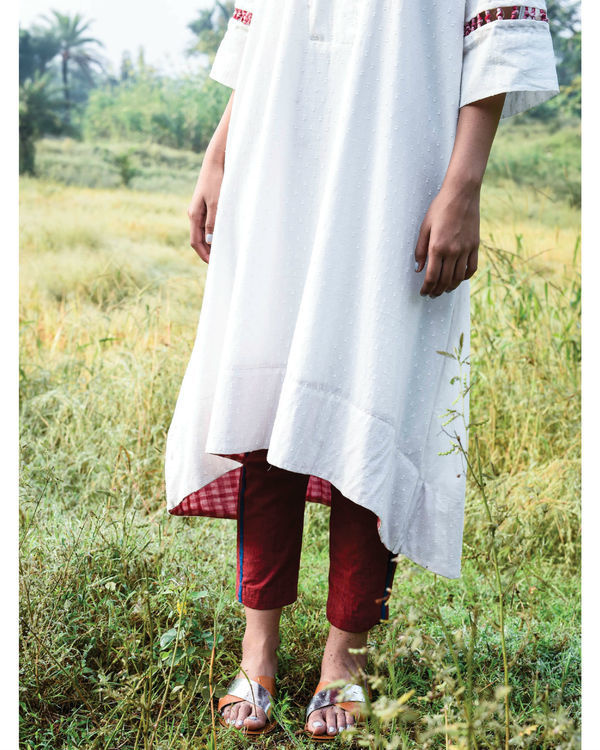 Flared ivory kurta and pants 3