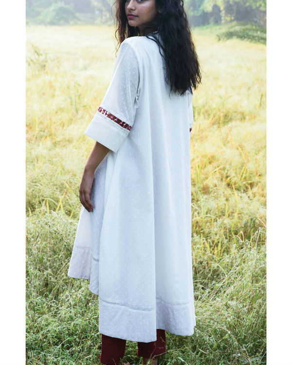 Flared ivory kurta and pants 1