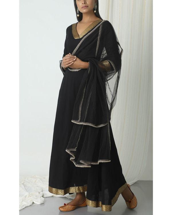 Black golden border dupatta dress 3
