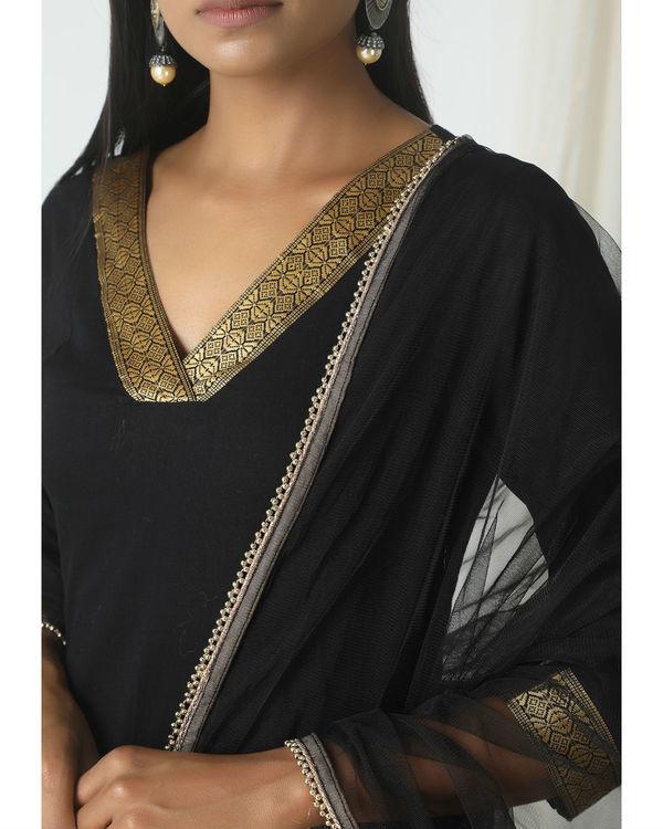 Black golden border dupatta dress 1