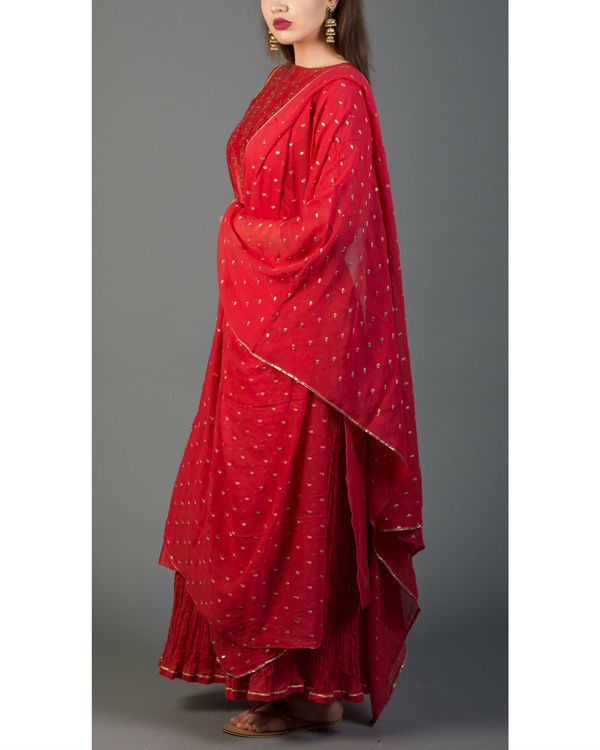 Rhubarb red mughal bootah kurta set with dupatta 4