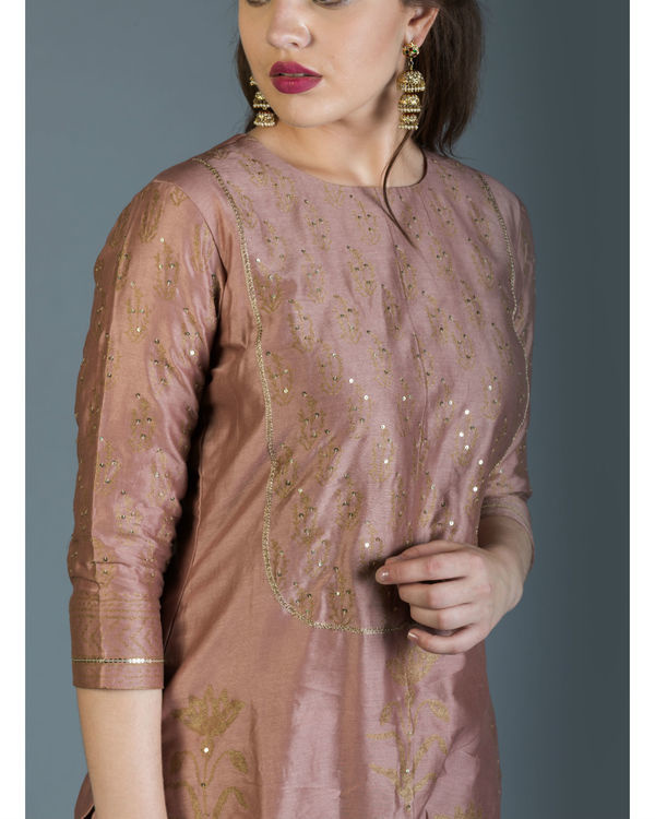 Regal pink kurta set 2
