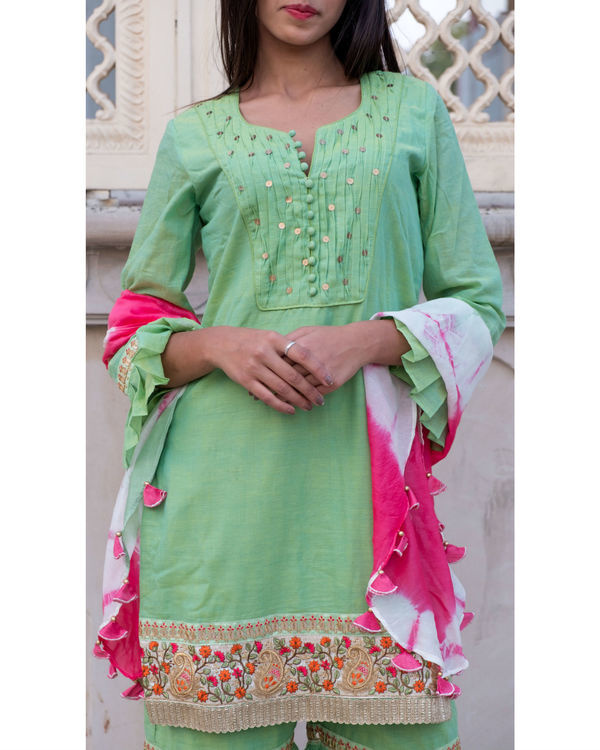 Green short kurta with sharara & stole 3