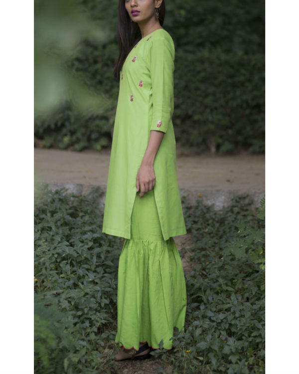 Green dahlia floral sharara set with a lemon green dupatta 3