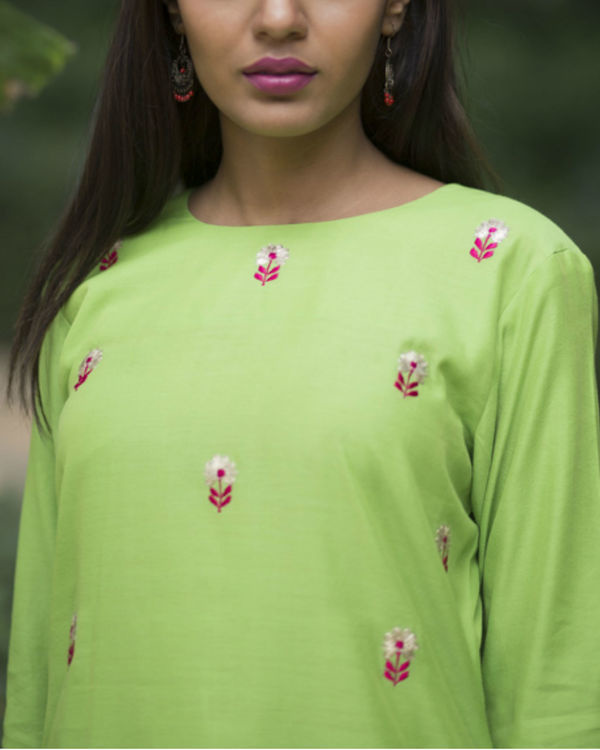 Green dahlia floral sharara set with a lemon green dupatta 2