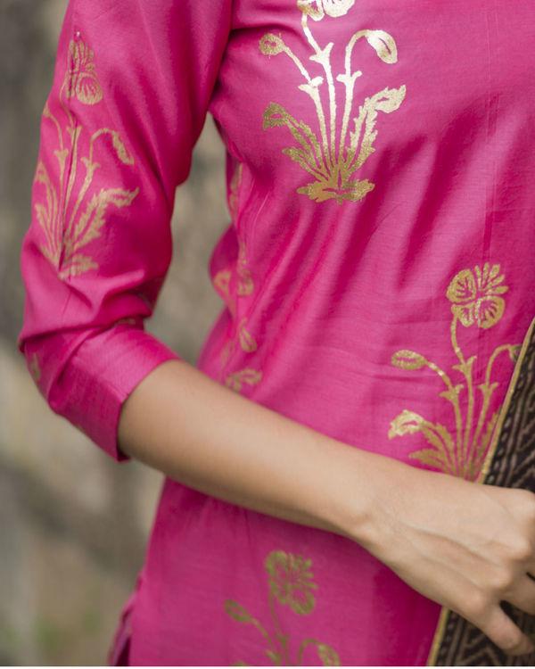 Rani pink gulmohar kurta set with dupatta 2