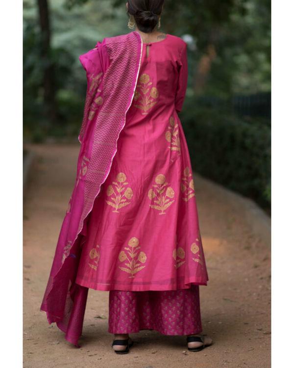 Pink hibiscus floral printed set with mughal printed dupatta 3