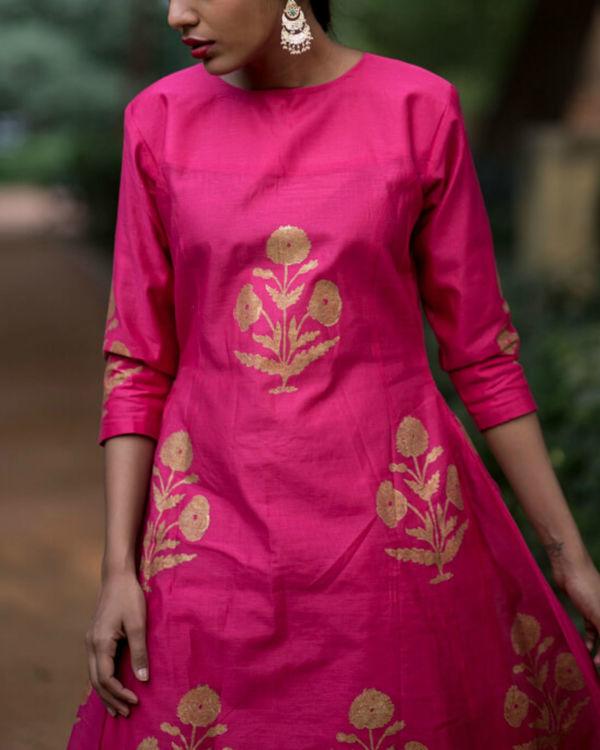 Pink hibiscus floral printed set with mughal printed dupatta 2