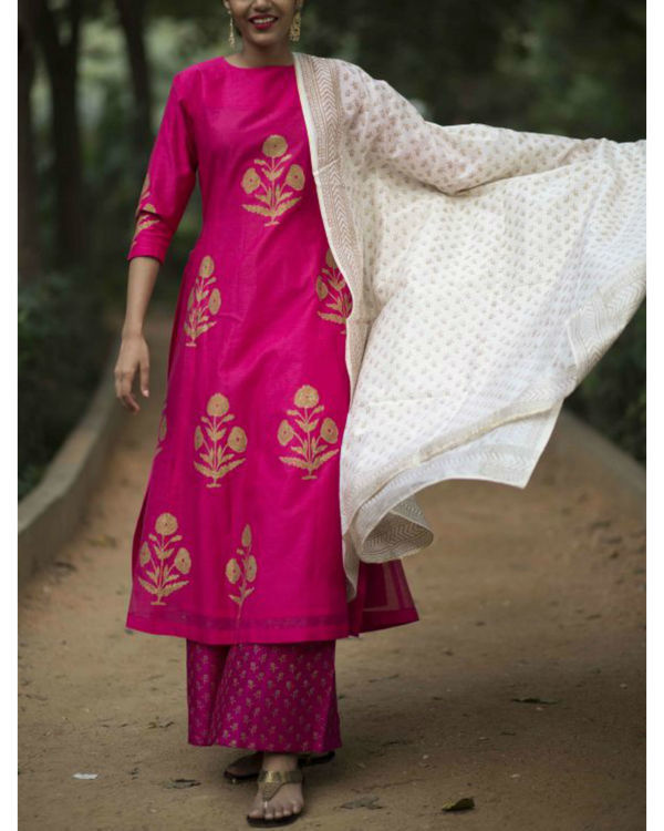 Pink hibiscus floral printed set with ivory block printed dupatta 1