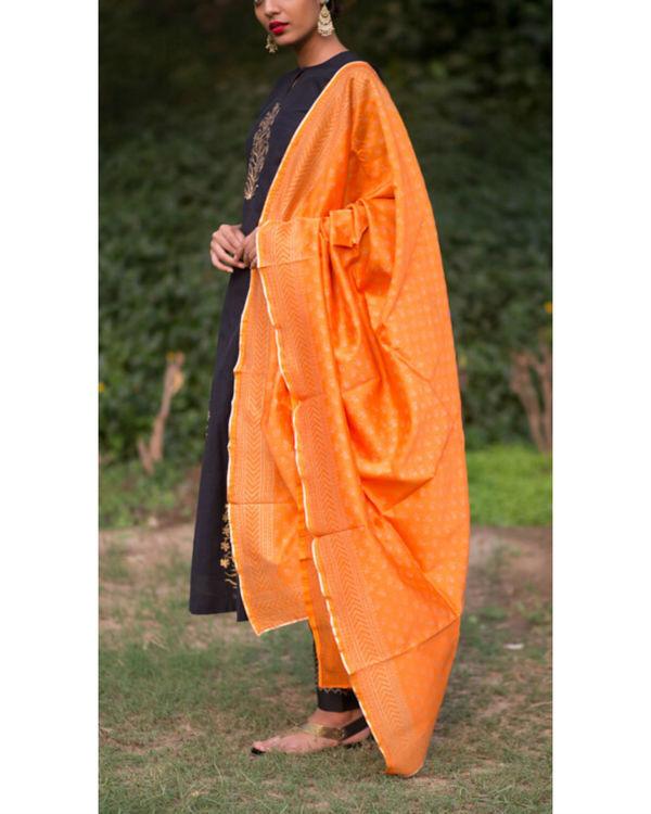Ahilaya phool kurta set with a mughal bootah dupatta - narangi 2