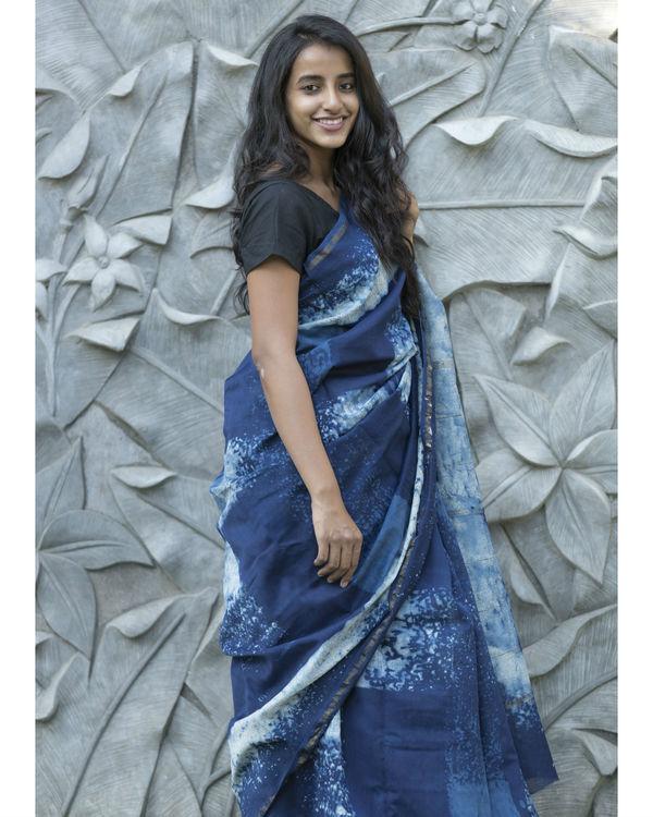 Shades of indigo checked sari 3