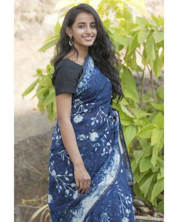 Floral indigo sari 2
