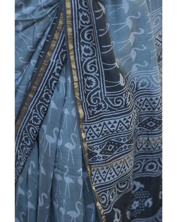 Retro style grey printed sari 2