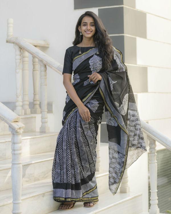 Half and half leaf printed sari 1