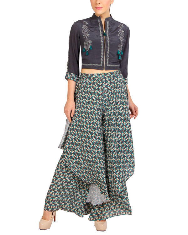 Tasseled zipper top with printed pants 2