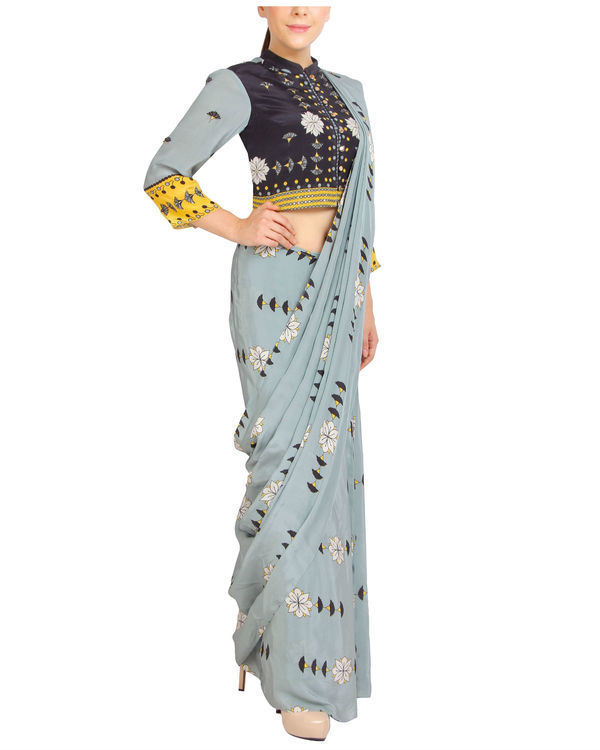 Blue printed sari with zipper blouse 2