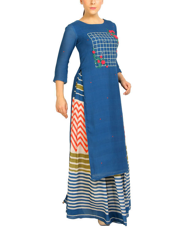 Embroidered blue striped kurta set 2