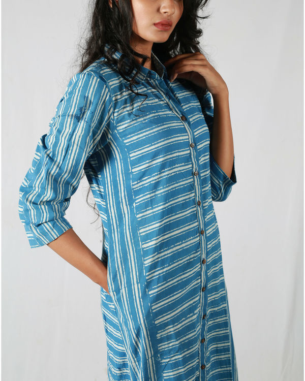 Blue asymmetric striped kurta 3