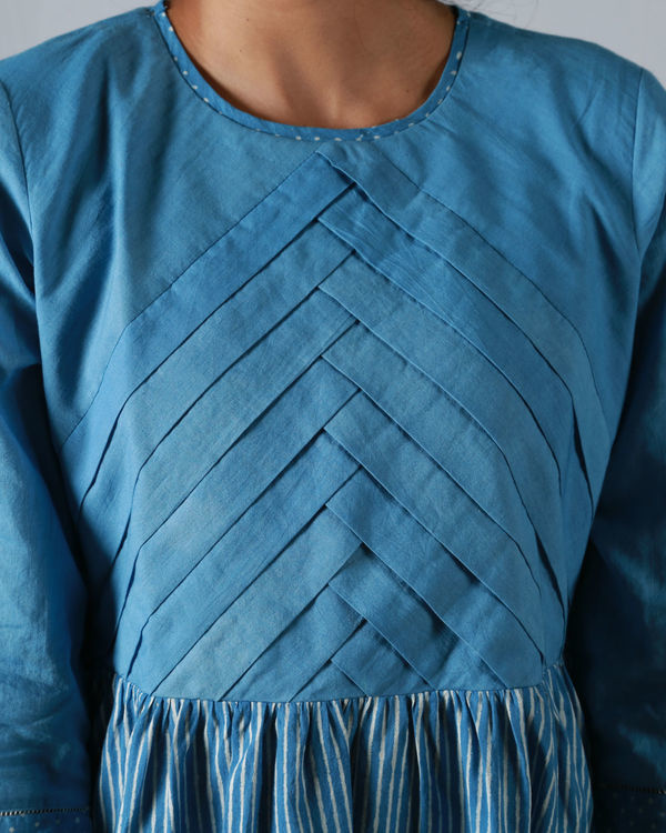 Blue pleated thin striped maxi 4